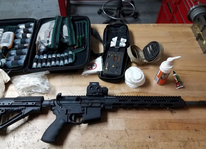 Cleaning an ar-15