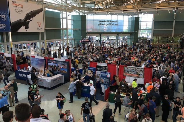 Crowd at 2016 NRA Convention (courtesy The Truth About Guns)